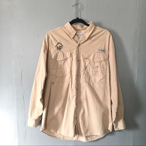 Columbia button up performance fishing gear shirt
